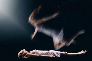 espírito saindo do corpo
